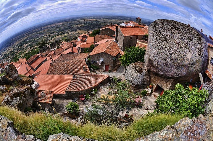 Монсанто - каменная деревня в Португалии (8)
