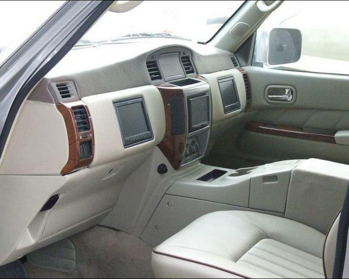 Машина с рулем на заднем сиденье (1)