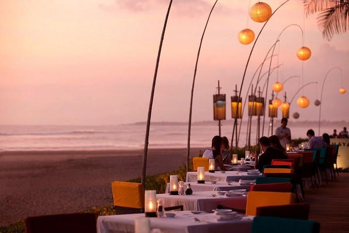 Самые необычные рестораны и бары мира с красивым видом (1)