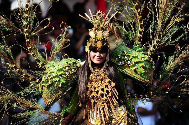 Необычный карнавал в индонезийском Джембере (2)