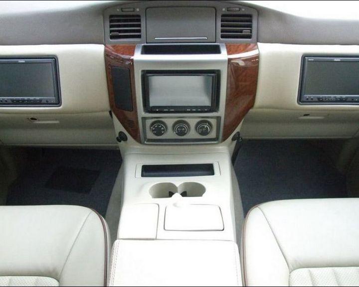 Машина с рулем на заднем сиденье (4)