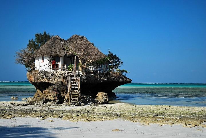 Самые необычные рестораны и бары мира с красивым видом (4)