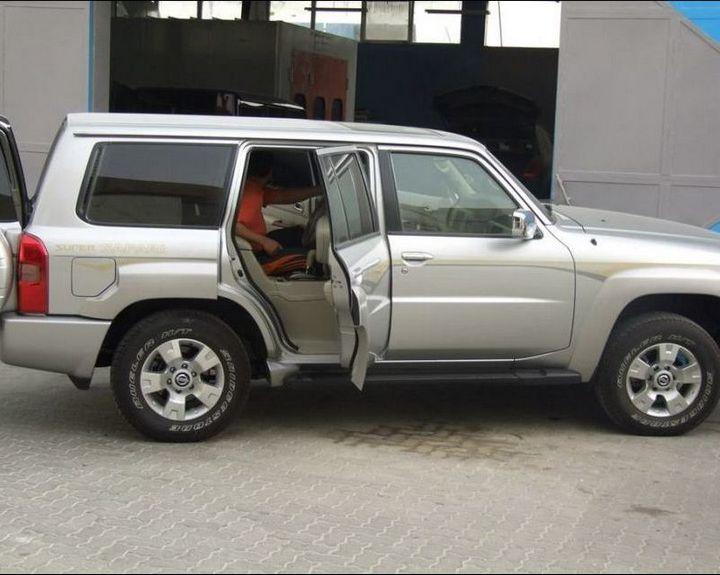 Машина с рулем на заднем сиденье (5)