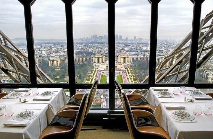 Самые необычные рестораны и бары мира с красивым видом (8)
