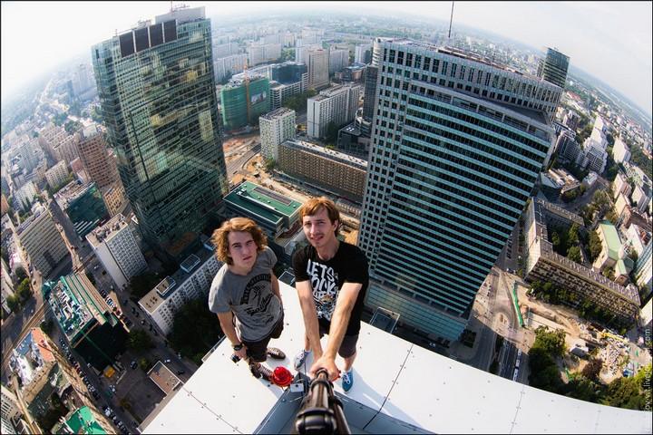 Руферы, как залезть на высокое здание в Европе (10)