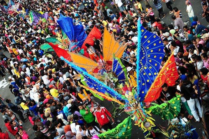 Необычный карнавал в индонезийском Джембере (16)