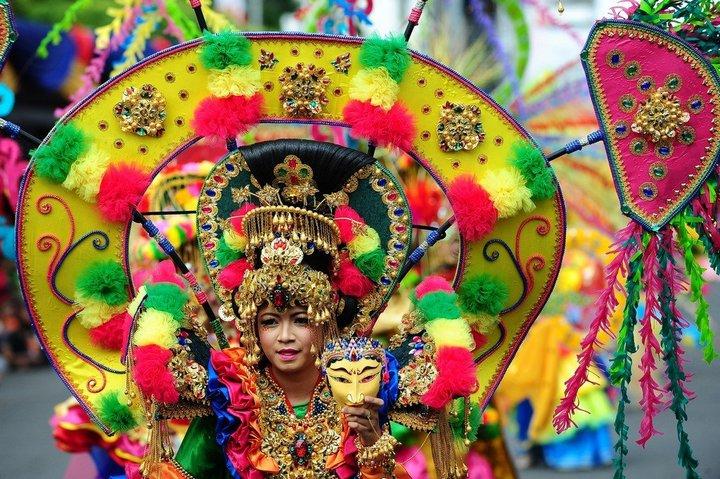 Необычный карнавал в индонезийском Джембере (28)