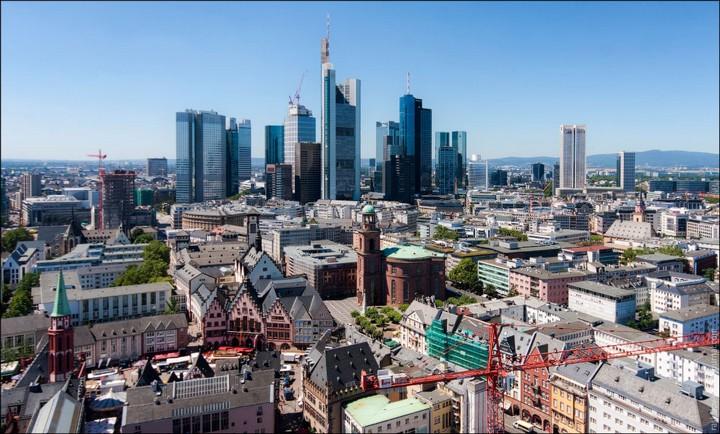 Руферы, как залезть на высокое здание в Европе (26)