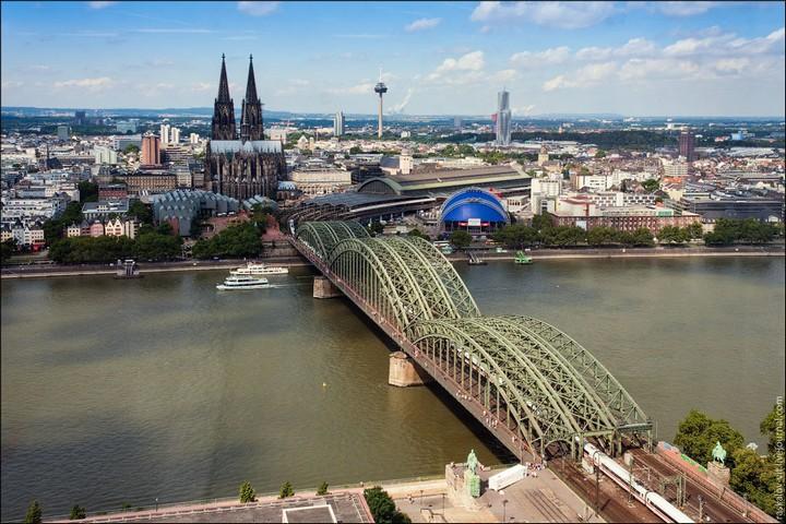 Руферы, как залезть на высокое здание в Европе (27)