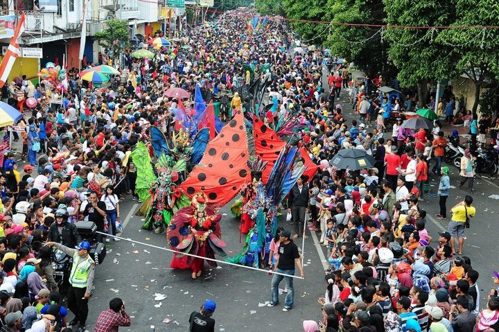 Необычный карнавал в индонезийском Джембере (22)