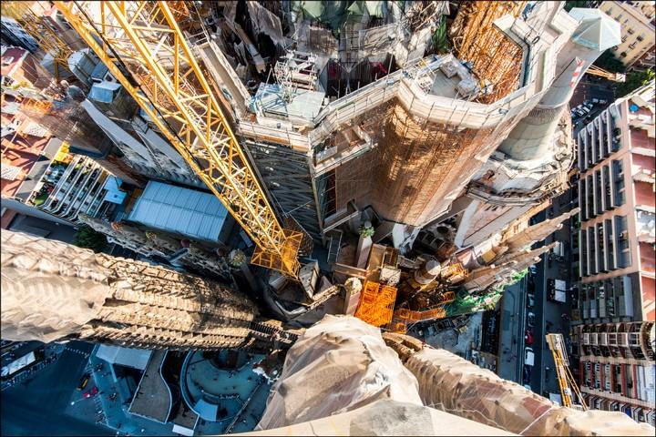 Руферы, как залезть на высокое здание в Европе (65)