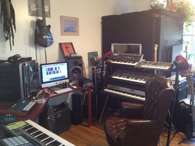 Фото домашних студий звукозаписи с профессиональной аппаратурой (19)
