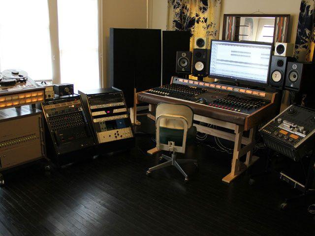 Фото домашних студий звукозаписи с профессиональной аппаратурой (14)