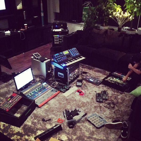 Фото домашних студий звукозаписи с профессиональной аппаратурой (1)