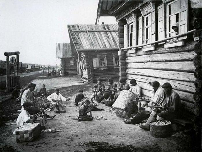 Чем занимались крестьяне начала прошлого столетия, какую работу они выполняли (11)