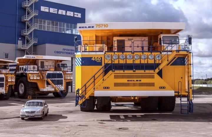 БелАЗ–75710 — самый большой грузовик в мире (1)