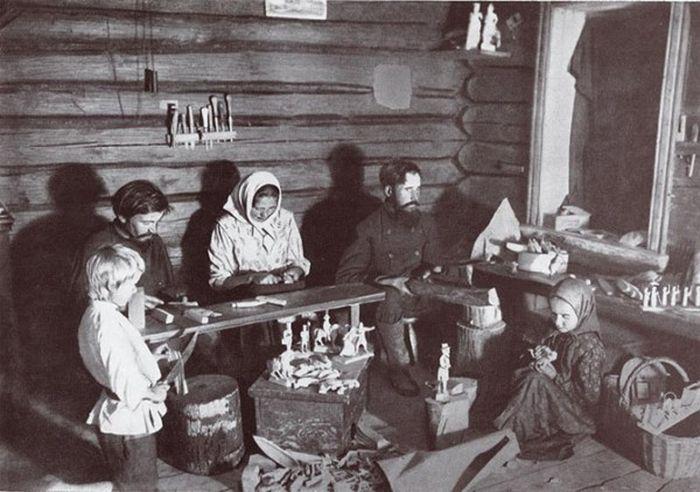 Чем занимались крестьяне начала прошлого столетия, какую работу они выполняли (15)