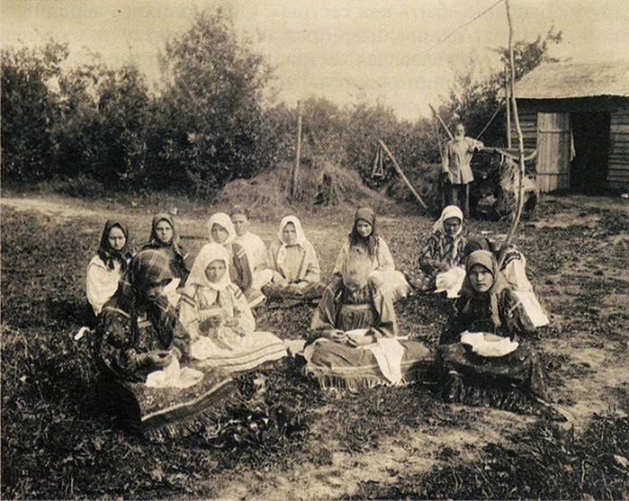 Чем занимались крестьяне начала прошлого столетия, какую работу они выполняли (22)