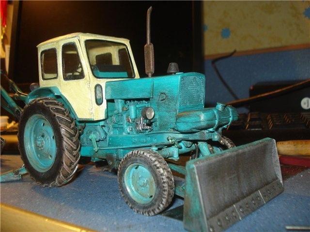 Реалистичная модель трактора из бумаги (20)