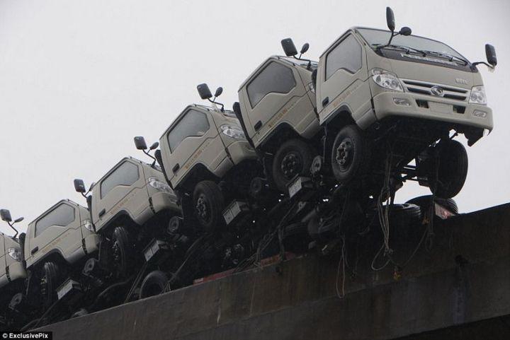 Необычная авария в Китае (4)