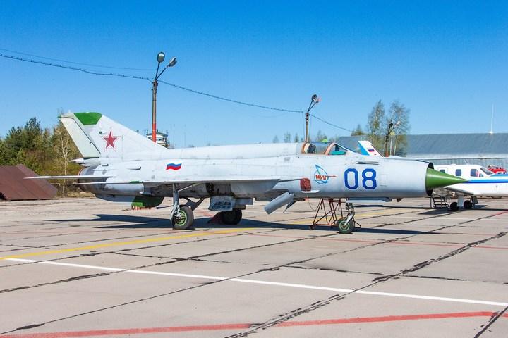 МиГ-21 в фотографиях, изнутри и снаружи (17)