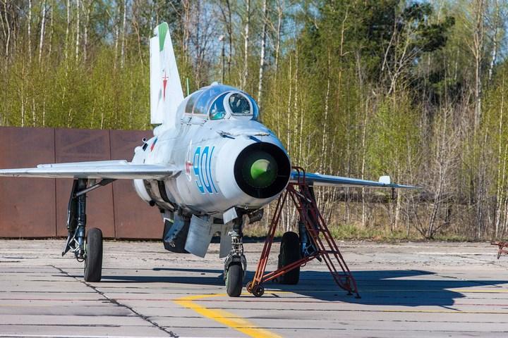 МиГ-21 в фотографиях, изнутри и снаружи (23)