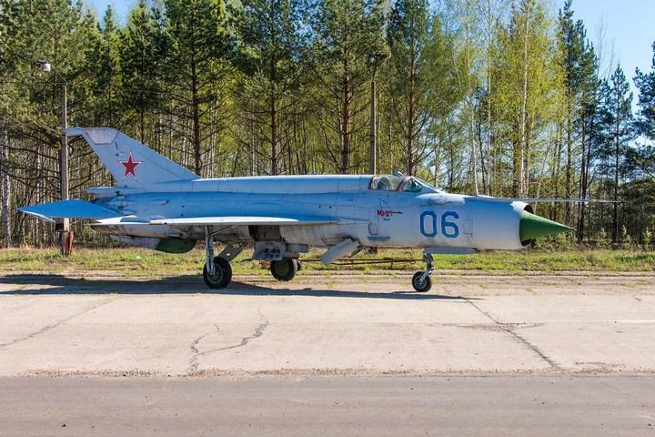 МиГ-21 в фотографиях, изнутри и снаружи (27)