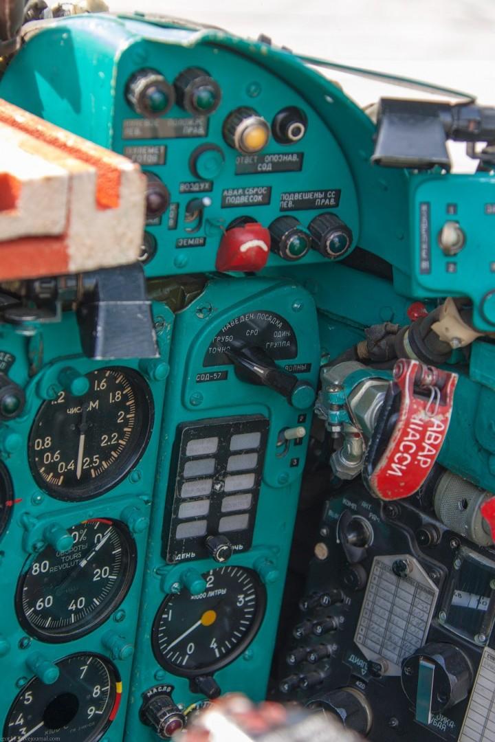МиГ-21 в фотографиях, изнутри и снаружи (32)