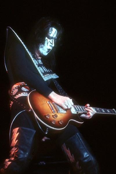 Самые дорогие гитары и их владельцы (4)
