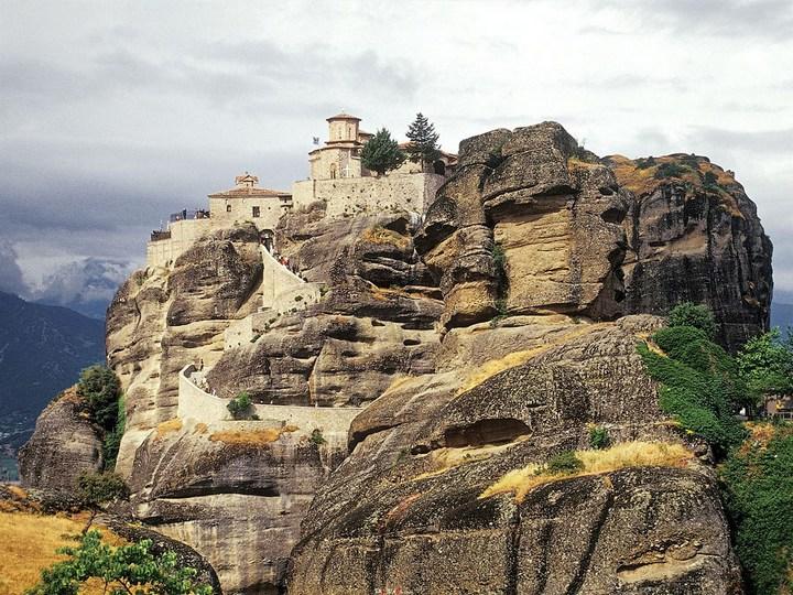 Старые монастыри в Греции Метеоры (11)