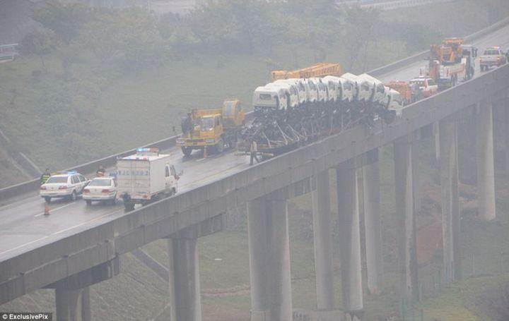 Необычная авария в Китае (2)