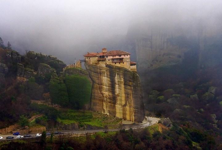 Старые монастыри в Греции Метеоры (9)