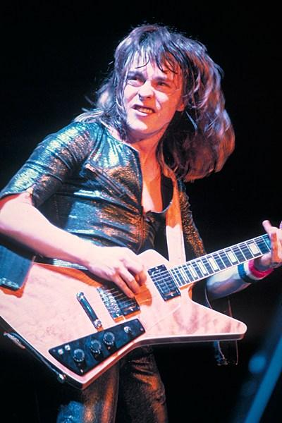 Самые дорогие гитары и их владельцы (8)