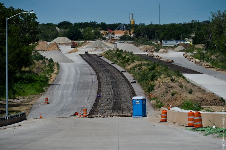 Процесс укладки дорожного покрытия в Америке (23)