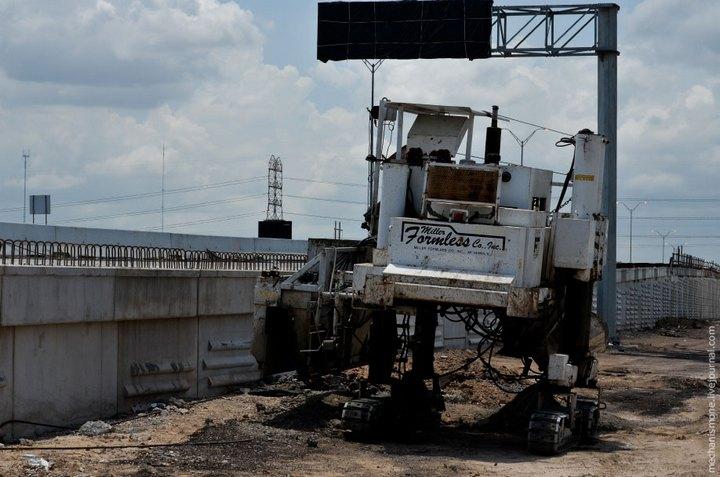 Процесс укладки дорожного покрытия в Америке (32)