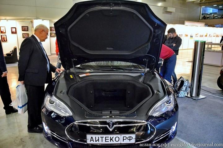 Как устроен электромобиль Tesla Model S (4)