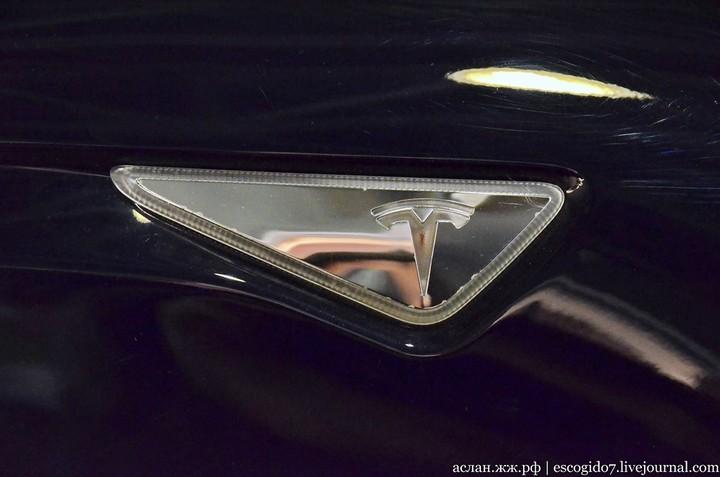 Как устроен электромобиль Tesla Model S (15)