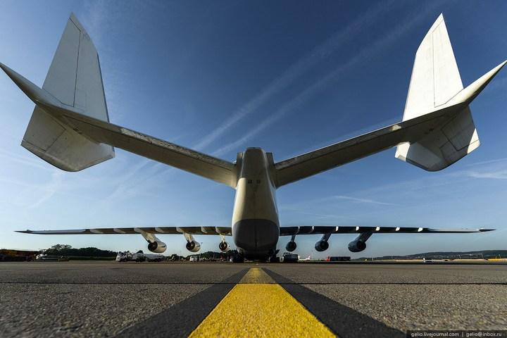 Ан-225 «Мрия» - самый большой самолет в мире (3)