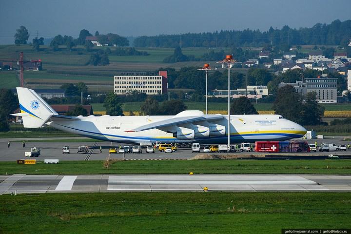Ан-225 «Мрия» - самый большой самолет в мире (4)