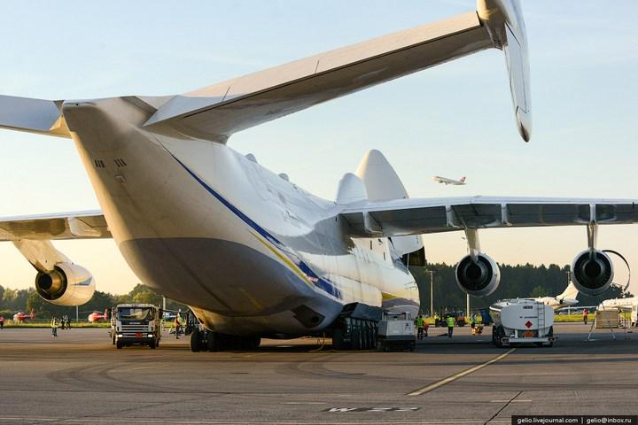 Ан-225 «Мрия» - самый большой самолет в мире (14)