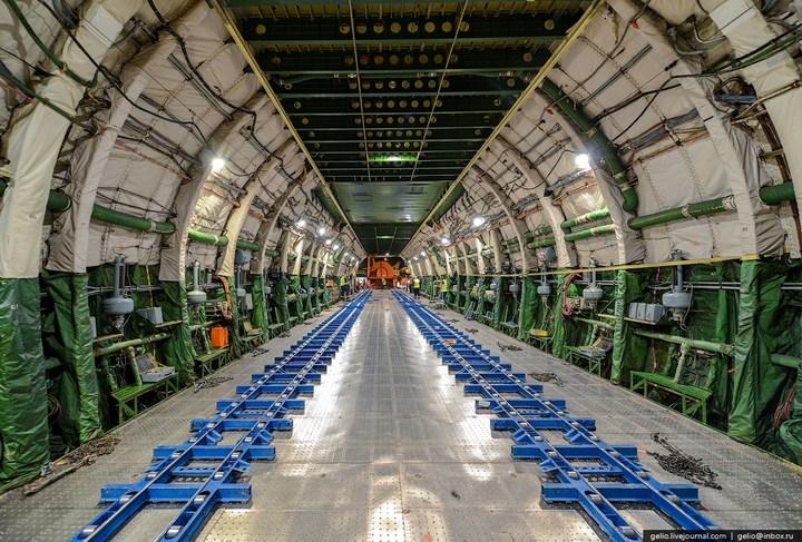 Ан-225 «Мрия» - самый большой самолет в мире (21)