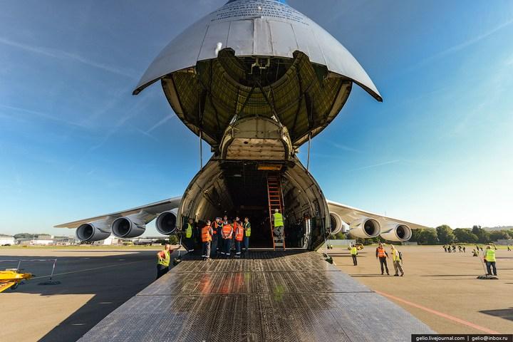 Ан-225 «Мрия» - самый большой самолет в мире (27)