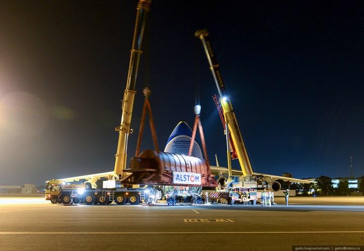 Ан-225 «Мрия» - самый большой самолет в мире (32)