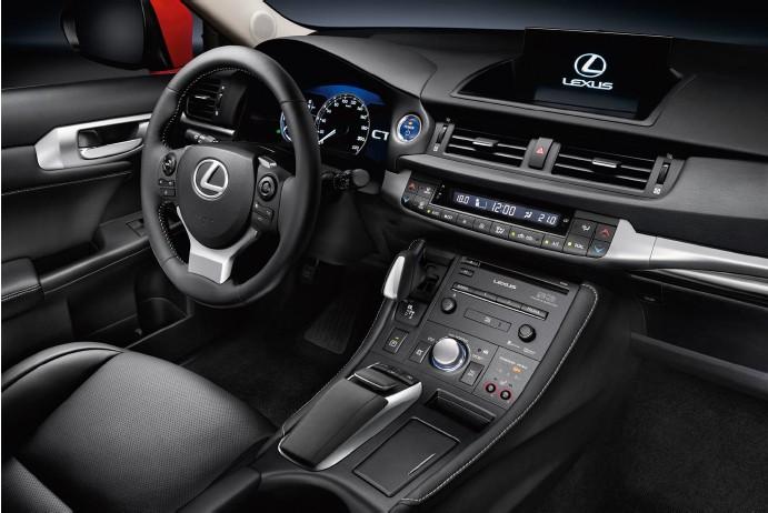 Новый Lexus CT 200h (12)
