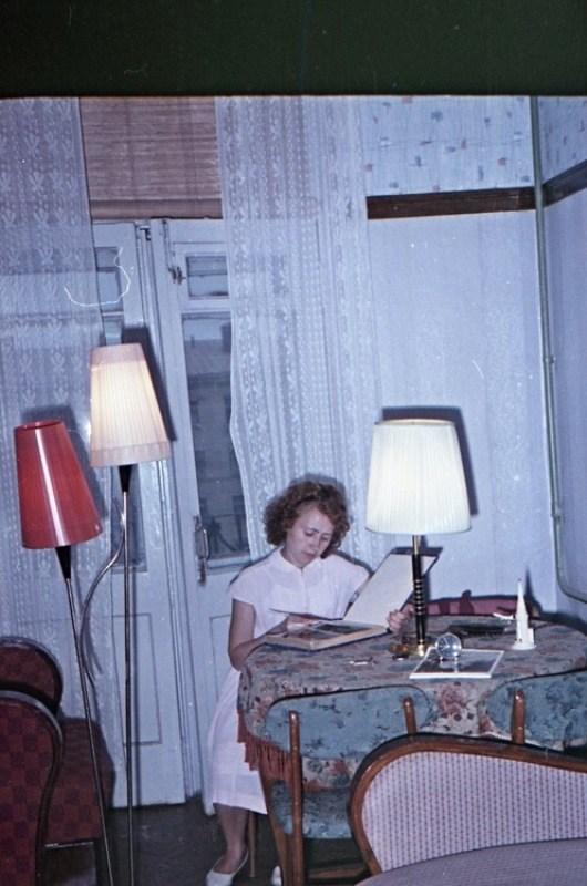 Старая фотосессия в советской коммуналке (19)