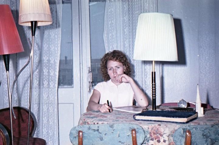 Старая фотосессия в советской коммуналке (18)