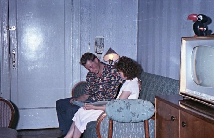 Старая фотосессия в советской коммуналке (14)