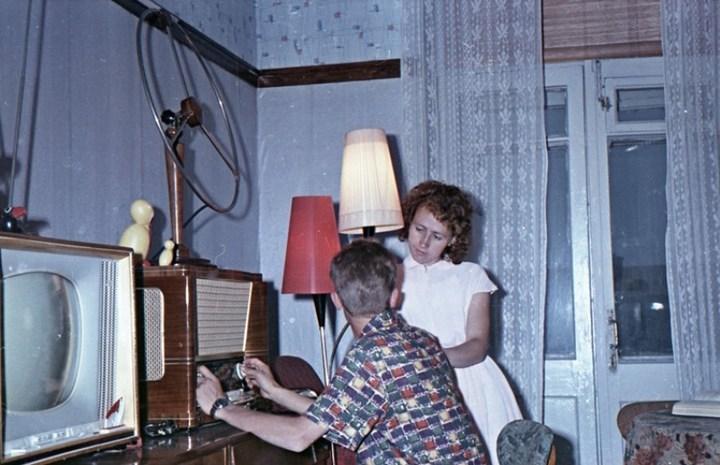 Старая фотосессия в советской коммуналке (13)