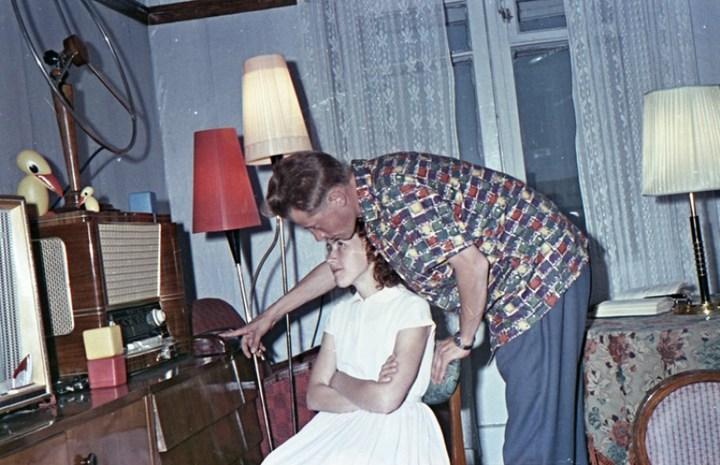 Старая фотосессия в советской коммуналке (12)