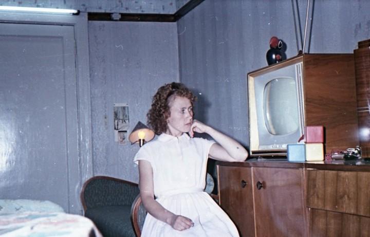Старая фотосессия в советской коммуналке (10)